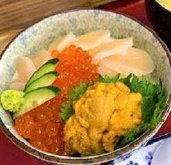 諫早ランチ ウニ イクラ 貝柱 三食丼 美味しい 新鮮 おすすめ.jpg